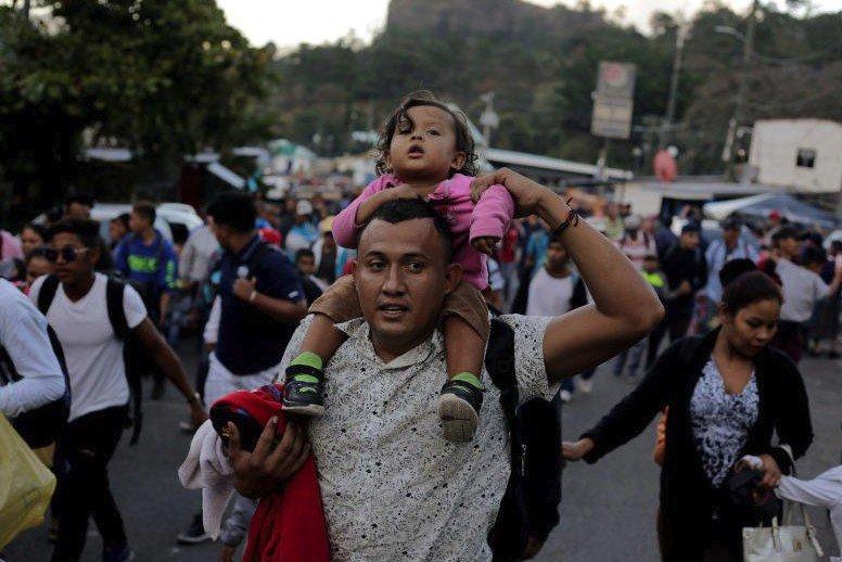 US-bound Honduran migrant #caravan grows as #Trump argues for wall  https://t.co/5AG6oxBlx6