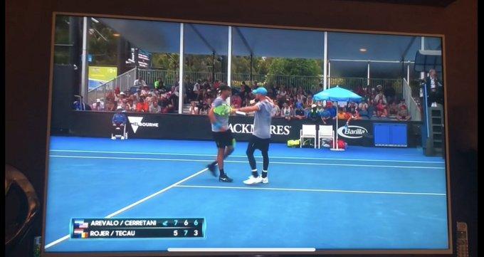 Ganaron @CheloArevaloATP 🇸🇻 @MrJamesATP 🇺🇲 en dobles en el #AustralianOpen2019 📺 Foto