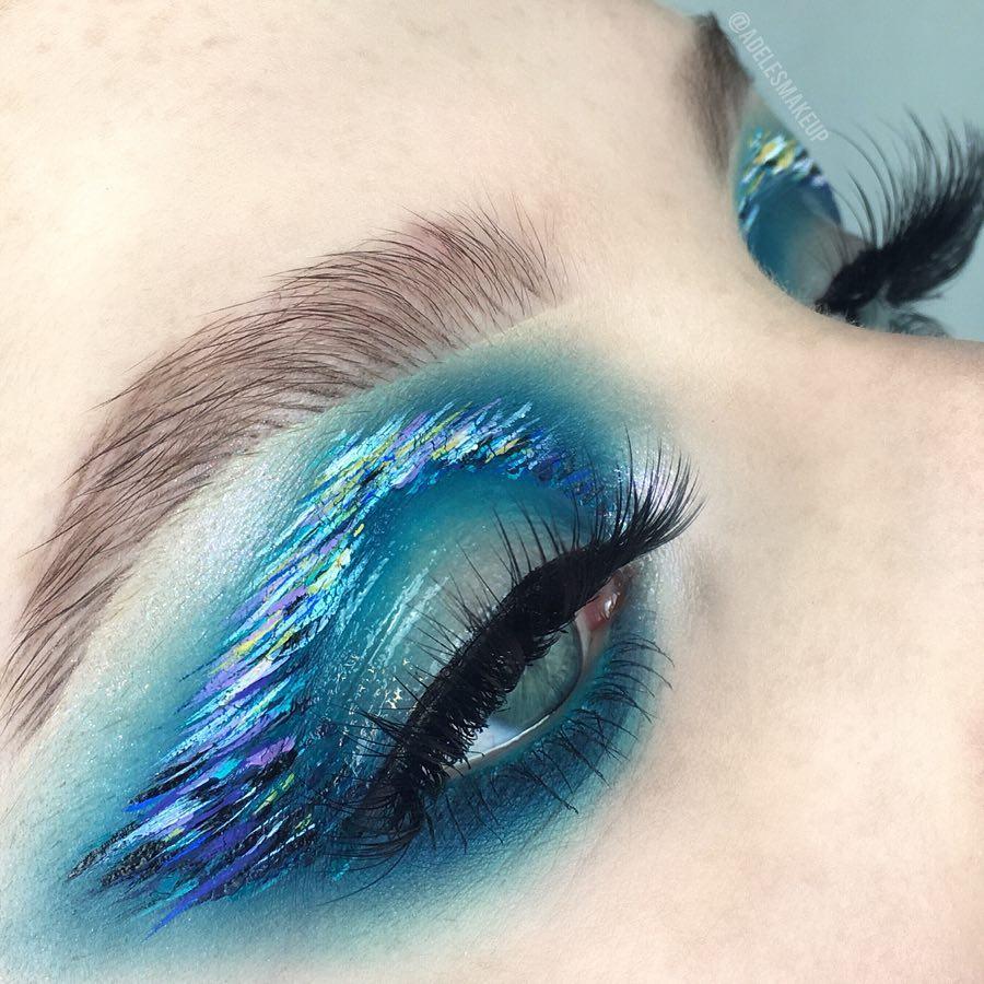 Feeling blue 💧Clear Brow Gel, Nocturnal #ABHLiquidLipstick, and Dream #GlowKit @adelenata   #AnastasiaBeverlyHills
