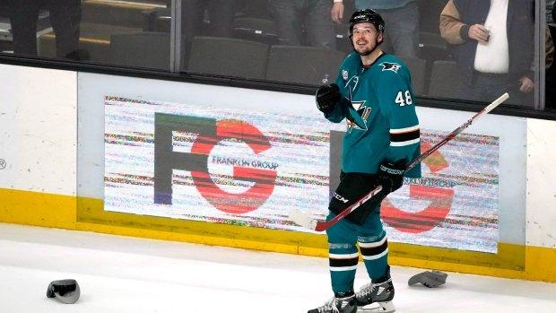 Hertl's hat trick leads Sharks past Penguins: https://t.co/Eo6VZ2Km7P