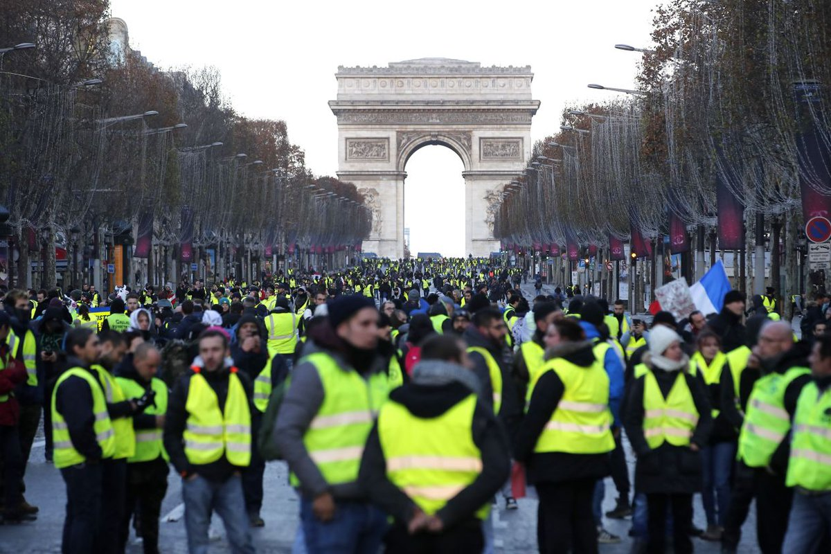 French security services are investigating any Kremlin role in social media activity that has amplified the #YellowVests movement & spread misinformation about it, helping the protests become the most serious threat to Macron's young presidency. https://glykosymoritis.blogspot.com/2019/01/france-probes-any-moscow-role-in-yellow.html… #putinism