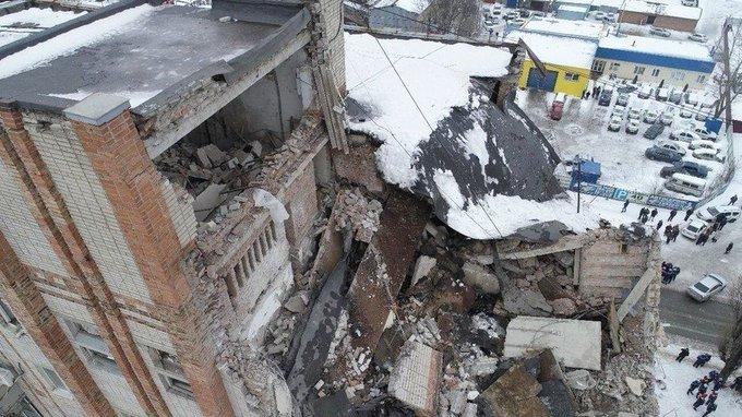 Все погибшие при взрыве газа в доме в Шахтах опознаны Фото