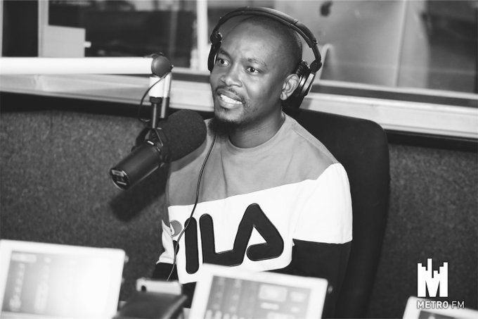 [LISTEN]The #FreshBreakfast team hung out with the ever entertaining vlogger, actor and agony uncle Moshe Ndiki for an exciting segment of #WhatAreYouPacking. Photo