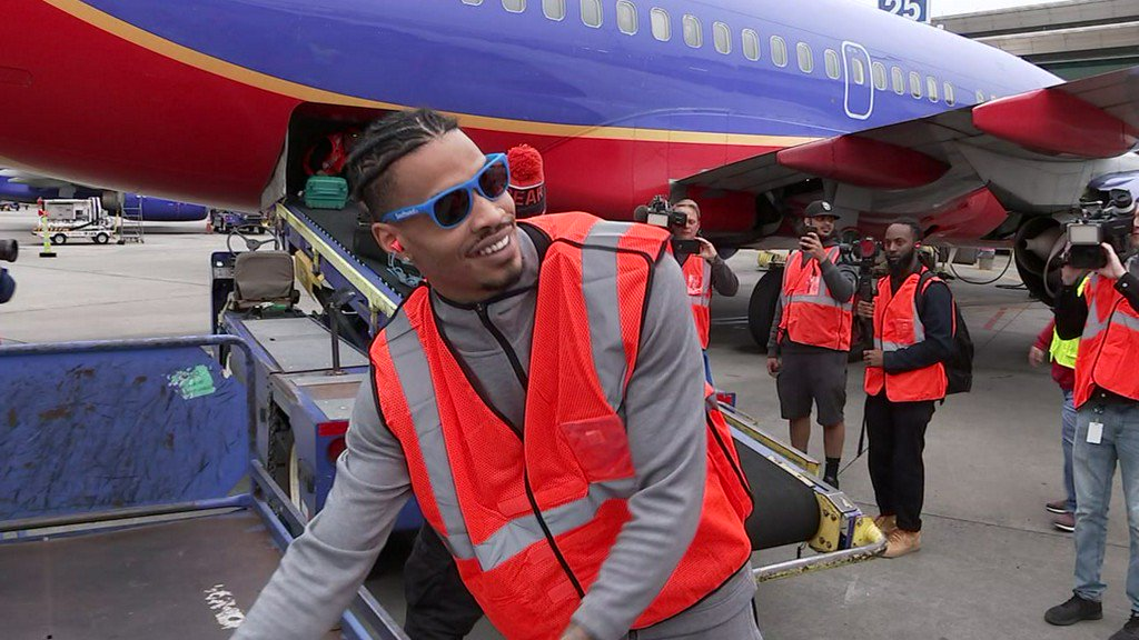 Rockets players go to work for Southwest Airlines  https:// abc13.co/2DdAous  &nbsp;  <br>http://pic.twitter.com/gi7tjZU2Ud