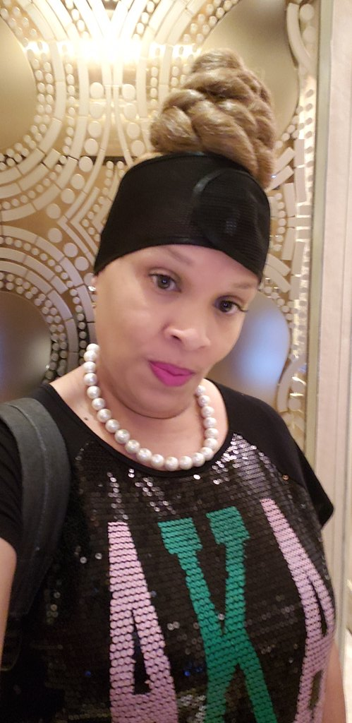 Quick selfie on elevator last night while representing the Founders Day of the beautiful ladies of Alpha Kappa Alpha, Inc💖💚💖💚 #J15 #SkeeWeeSorors #AKA4Life
