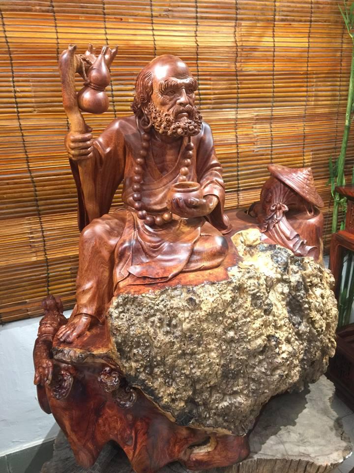 Tượng Đạt Ma gỗ nu Hương nguyên khối nét chạm khắc nghệ thuật độc đáo