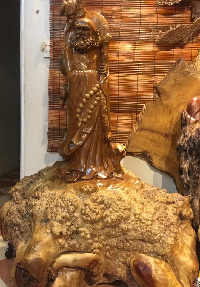 Tượng Đạt Ma bằng Nu xá xị 350kg tứ diện Kích thước 1,5mx 1mx0,8m