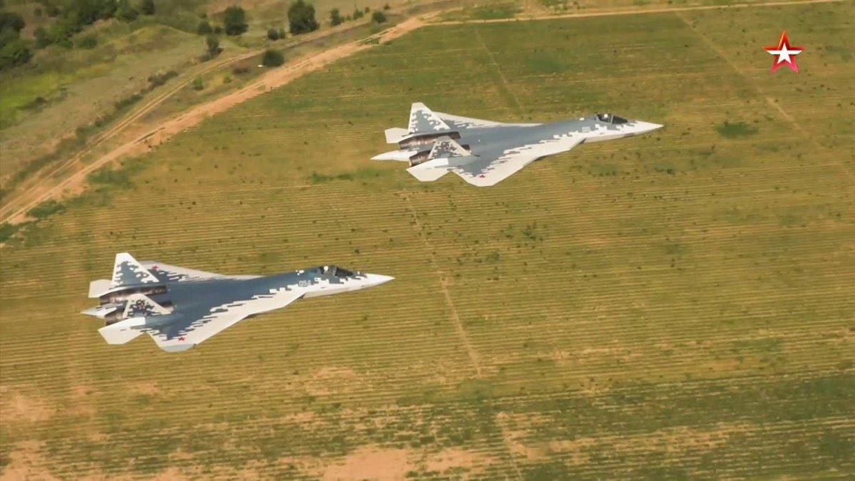 الانتاج الكمي لمقاتلات Su-57 تم تأجيله الى غايه العام 2020 على الاقل  DxBc9P7WsAAqRRi