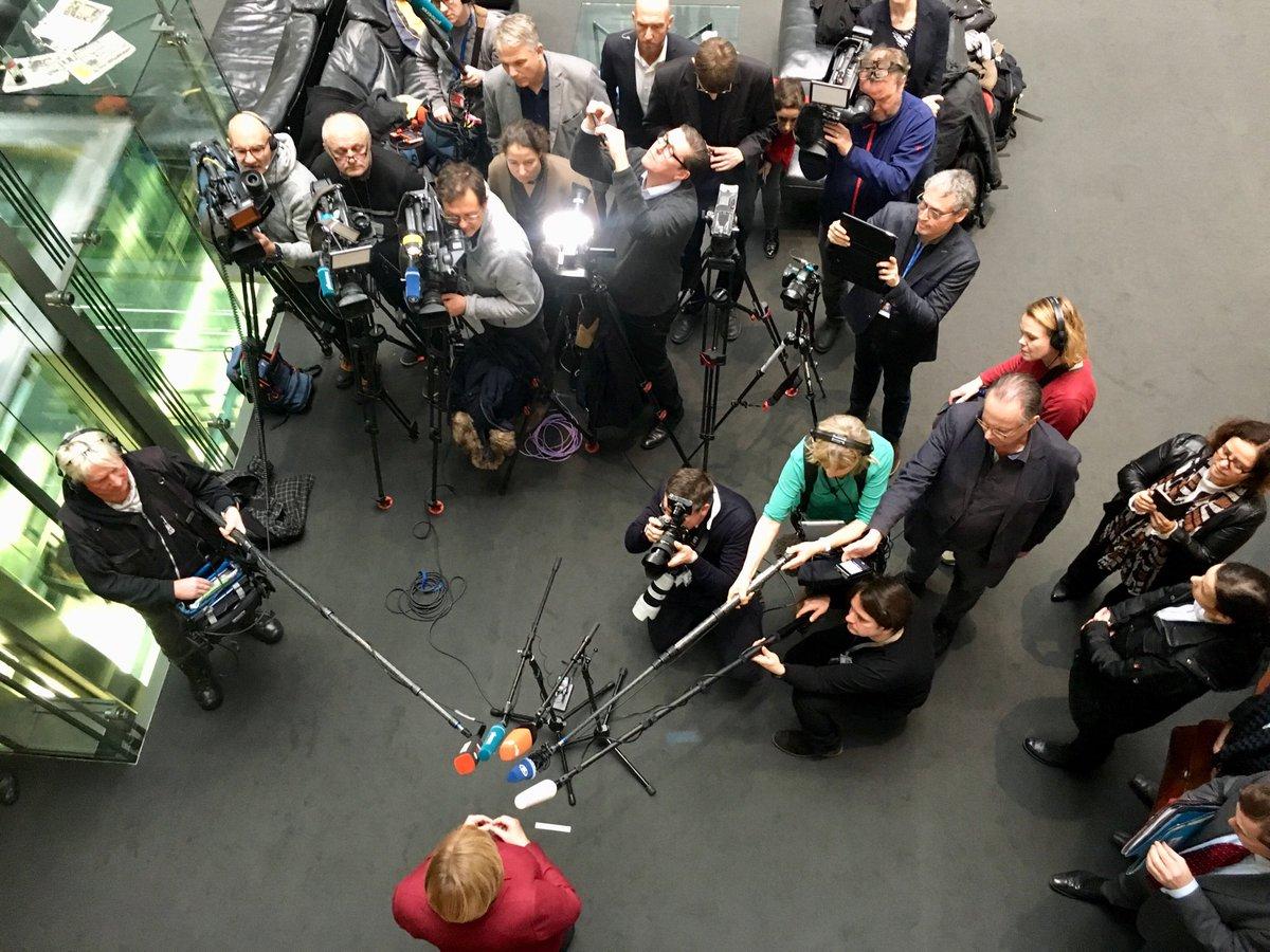 Merkel: Wir haben noch Zeit zu verhandeln und warten auf die Vorschläge, die die britische Premierministerin jetzt macht.  #Brexit