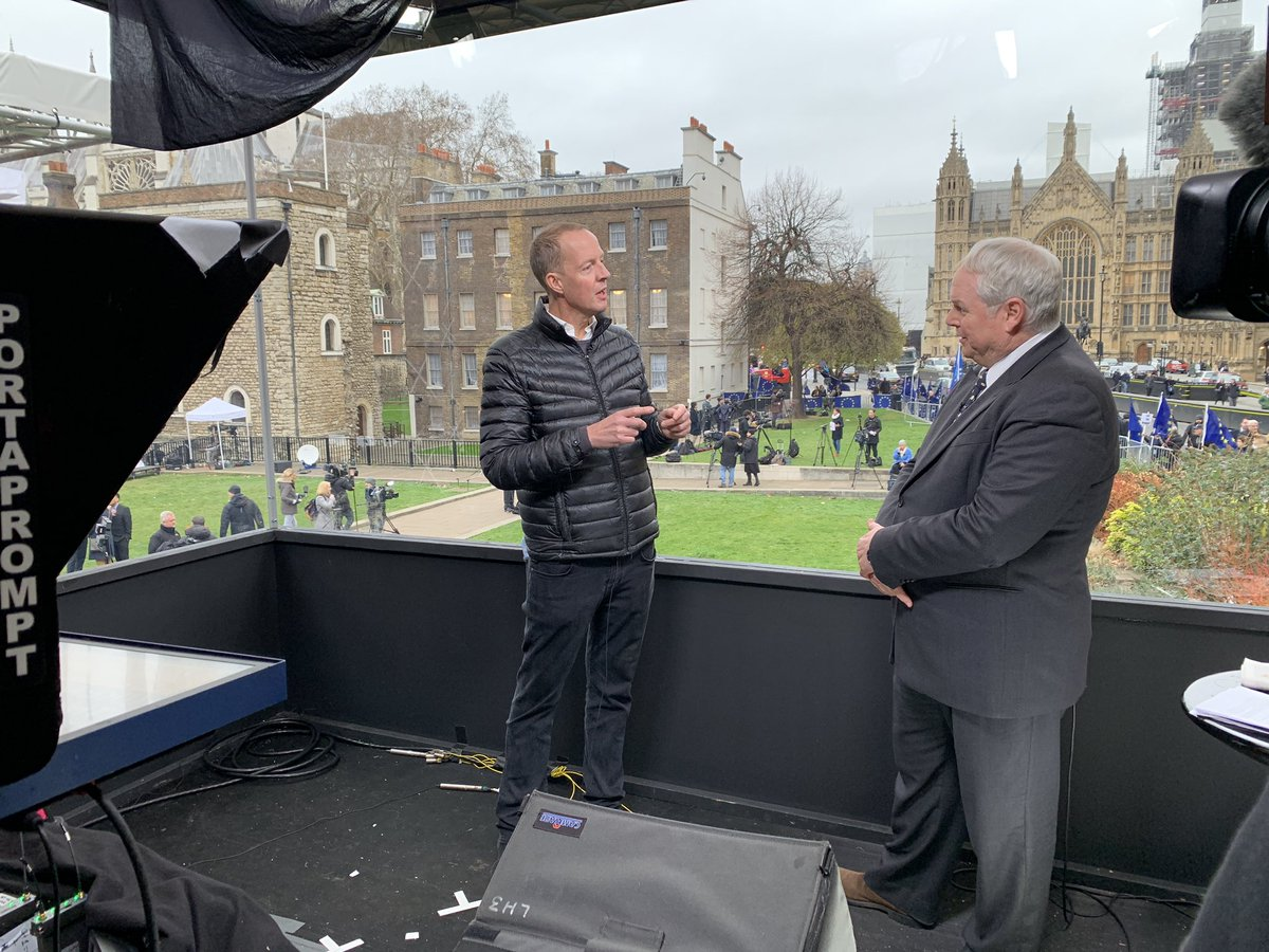 - @NickBolesMP says if his amendment is passed, standing orders will be suspended for one day, and there will then be Commons votes on an Act that would delay A50 for 9 months...  Boles says 400 MPs waiting to vote for a soft Brexit (200 lab 200 con) - only 70 hard Brexiters.
