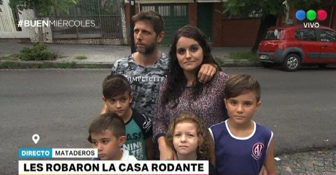 #BuenMiércoles Una familia pide ayuda para recuperar la casa rodante que les robaron Foto