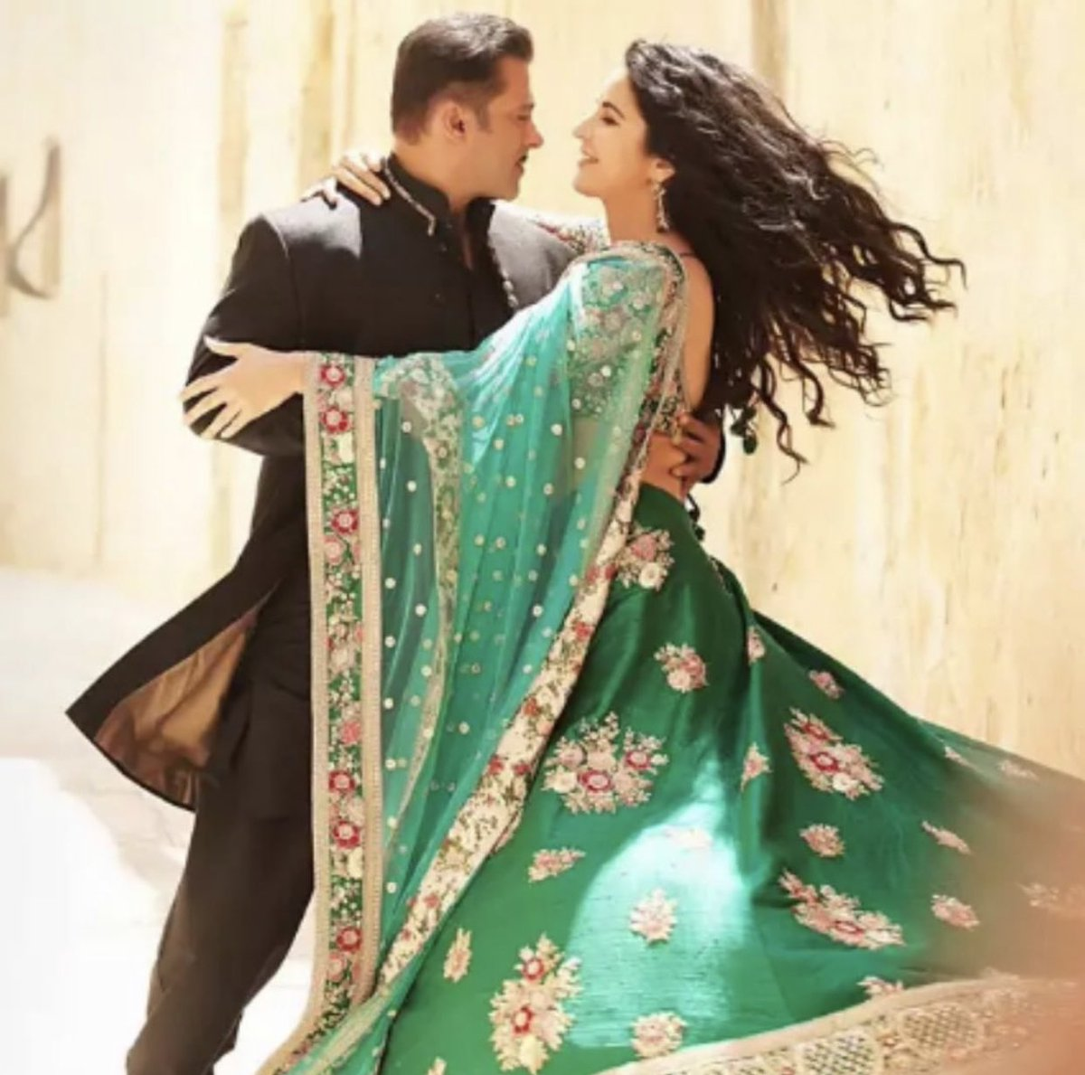 The first teaser of #Bharat will reportedly be released on January 26 2019.
