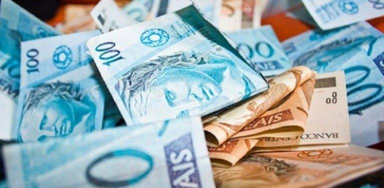 O presidente da República, @jairbolsonaro, sancionou a Lei do Orçamento de 2019 com uma previsão de R$ 3,3 trilhões em receitas. O texto foi publicado no Diário Oficial da União desta quarta-feira (16). Leia: https://t.co/pt924IZXG9