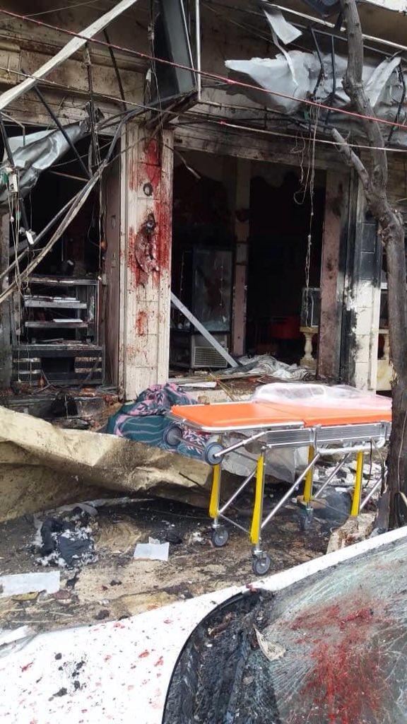 🔵 Suriye,#Menbiç'te pazarda meydana gelen bombalı saldırıda en az 9 kişinin öldüğü bildiriliyor.Havada ABD ordu helikopterleri halen gözlem yapmaga devam ediyor.📸