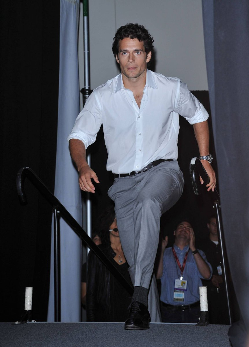 I've been slow, but I'm in a hurry today. Because if I take a little longer, I do not have any more coffee.  #HenryCavill #WonderCon #bomdia #goodmorning #coffee #cafeteria #cafedamanha #coffeetime #coffeeshop #cafecomleite  📷WonderCon, 2011