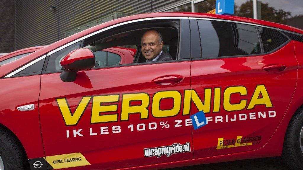 """test Twitter Media - Rijschool zet in op elektrische auto's: 'Zo leer je ook beter rijden': Rijscholen in Nederland experimenteren voorzichtig met elektrisch rijden. Volgens de één heeft het de toekomst, bij de ander zagen klanten er niets in. """"Eigenlijk kun je niet meer in… https://t.co/Mjc5D2i8Uv https://t.co/XJGqpFc7ul"""