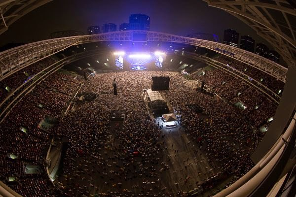 Shawn will be playing this massive stadium in São Paulo, Brazil that holds 55,000 people! TWO STADIUM SHOWS NEXT YEAR! UNREAL! We're so proud @ShawnMendes<br>http://pic.twitter.com/05xU5IV5T0