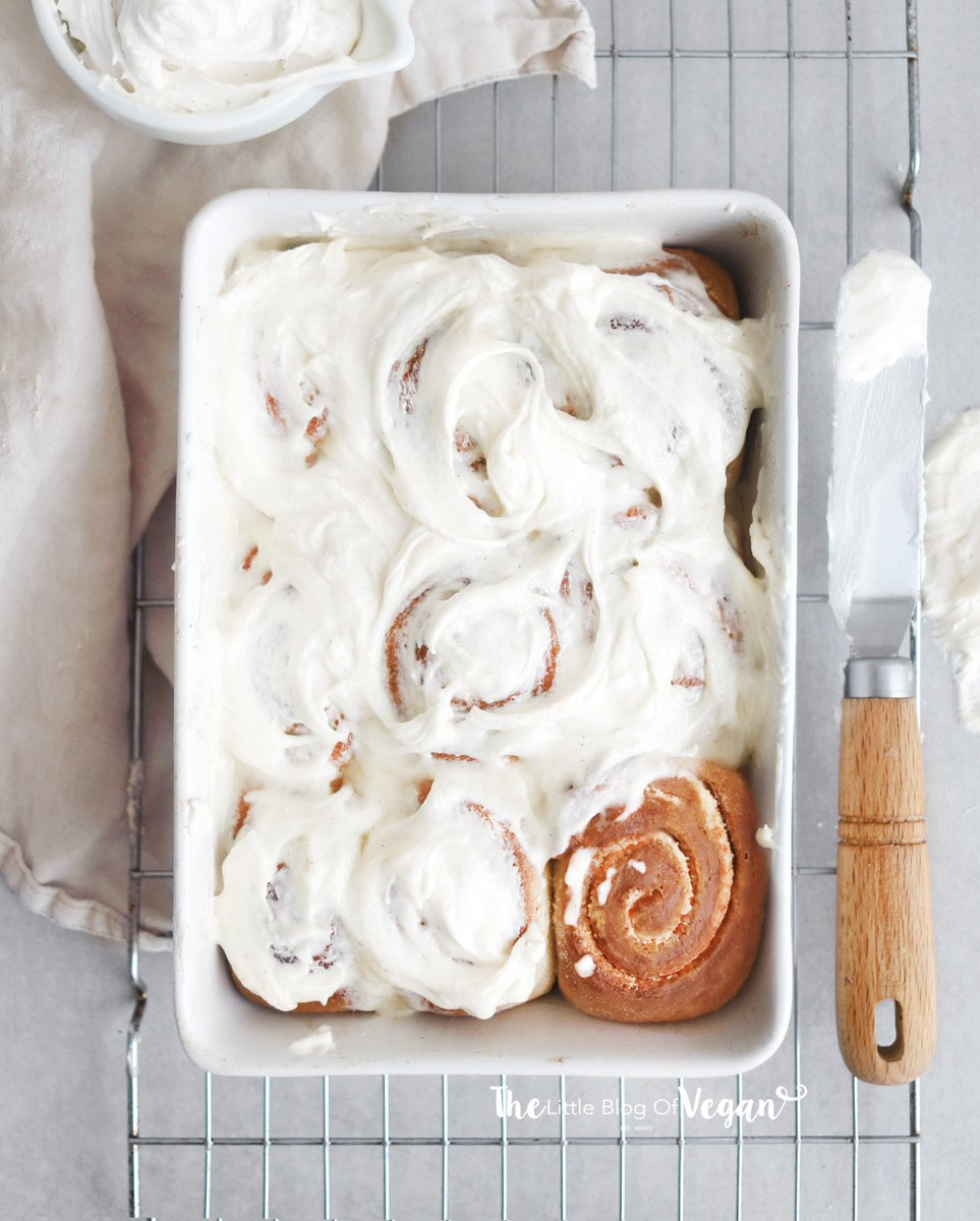 THE BEST VANILLA CINNAMON ROLLS!  VEGAN | EASY | DELISH! Get the recipe:  &gt;&gt;  http://www. thelittleblogofvegan.com/2019/01/the-be st-vanilla-cinnamon-rolls-recipe.html &nbsp; …  &lt;&lt; . . #vegan #food #Foodies #recipe #RecipeOfTheDay #Veganuary #Veganuary2019 #dairyfree #blog<br>http://pic.twitter.com/DnunsXczP3