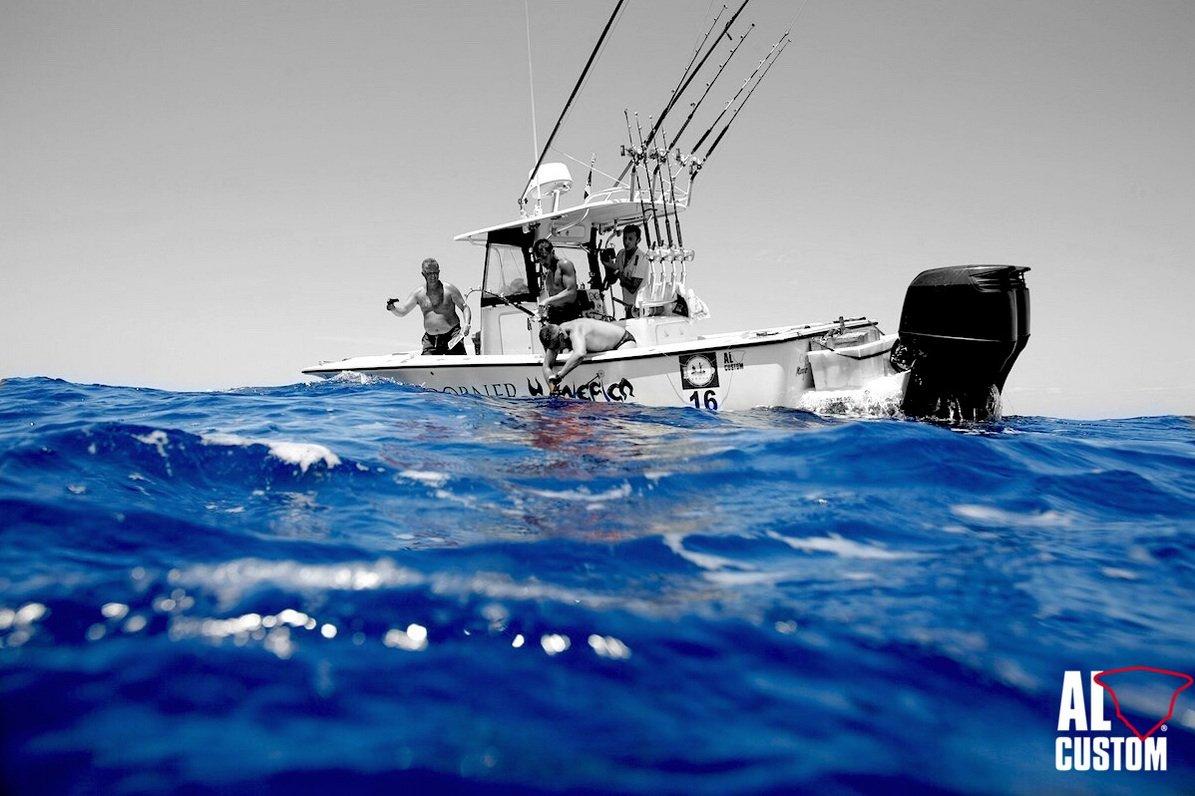 #ALCUSTOM #AL25 #Komiza #Croatia #Croazia #alcustomboats #fisherman #centerconsoleboat #carbon #sportfisherman #carbonfiber #barchedapesca #barchefisherman #barcheamericane #fishermanamericani #FishingAttitude #fishingaddict #tuna #tunadrifting #tonno http://www.alcustom.it