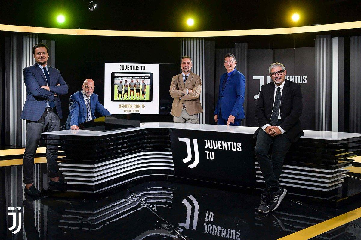 L'attesa di #JuveMilan inizia alle 17.30 su @JuventusTV!  Stay Tuned!  http://juve.it/8eyz30nkFto #Supercoppa