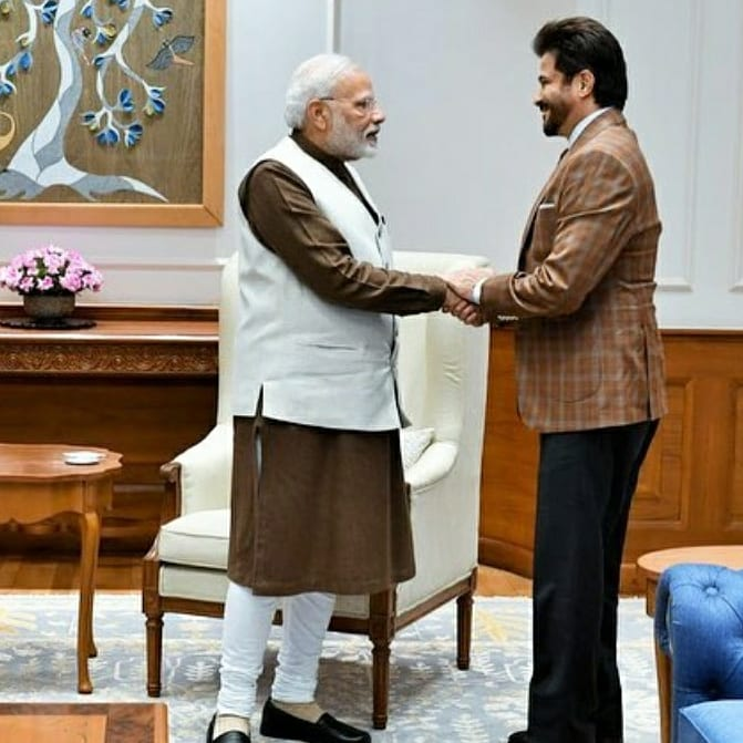 .@AnilKapoor is all elated as he met the honourable PM @narendramodi