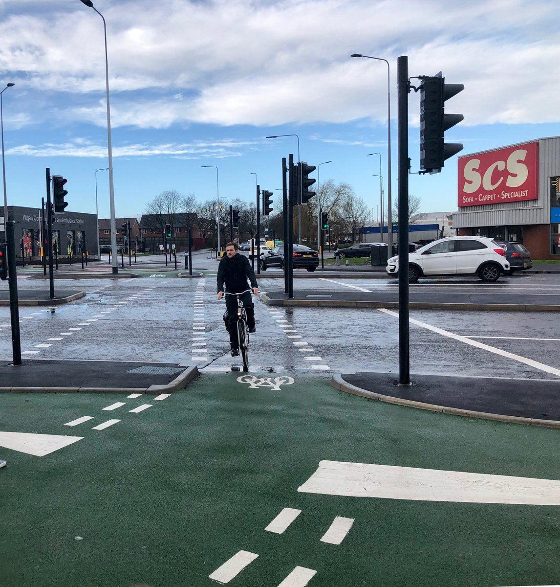 test Twitter Media - Non brexit good news!   Cycling and walking scheme, to get people travelling without cars seamlessly across the busiest junction in Wigan, Saddle Junction, now open for business! Well done @Wigancouncil and @OfficialTfGM superb job 👏 we are on our way! 🐝 https://t.co/EHbR0RCwTF