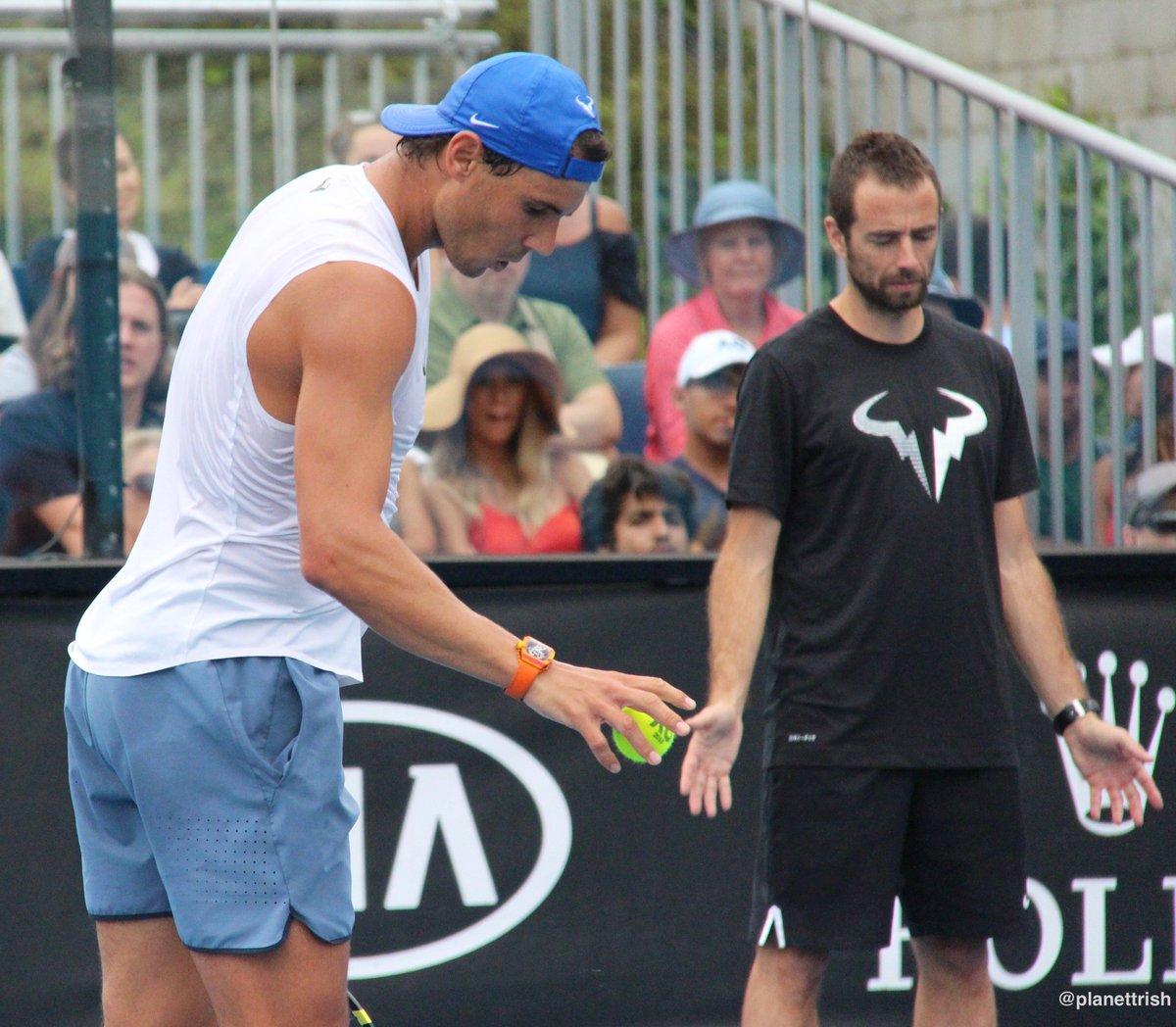 Lol Titin praying to the tennis gods  <br>http://pic.twitter.com/sKTNPrhoHW