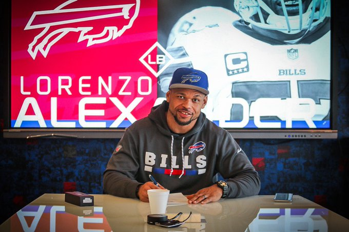 Lorenzo Alexander is back! We've re-signed Zo to a one-year deal: Foto