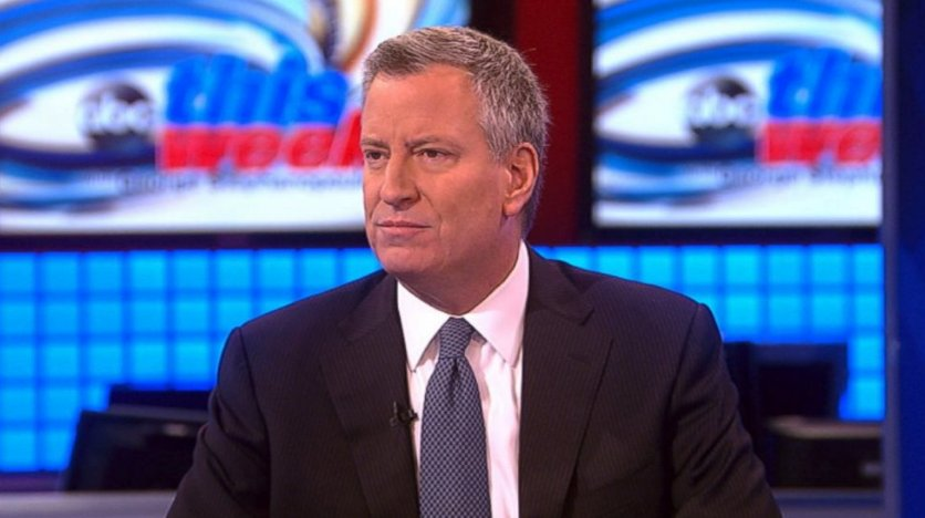 COMING UP: @NYCMayor Bill de Blasio joins the table LIVE to talk his newly announced plan to offer free healthcare for all New Yorkers. https://t.co/FDfGwB6uSc