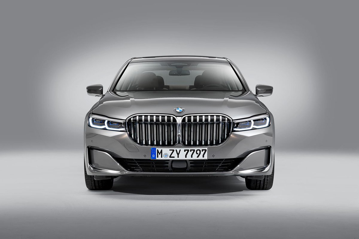 Image for the Tweet beginning: BMW gives the 7-series a
