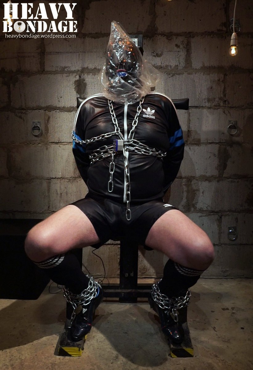 Rubbiker NL on Twitter: Chilling in my rubber Adidas Chile