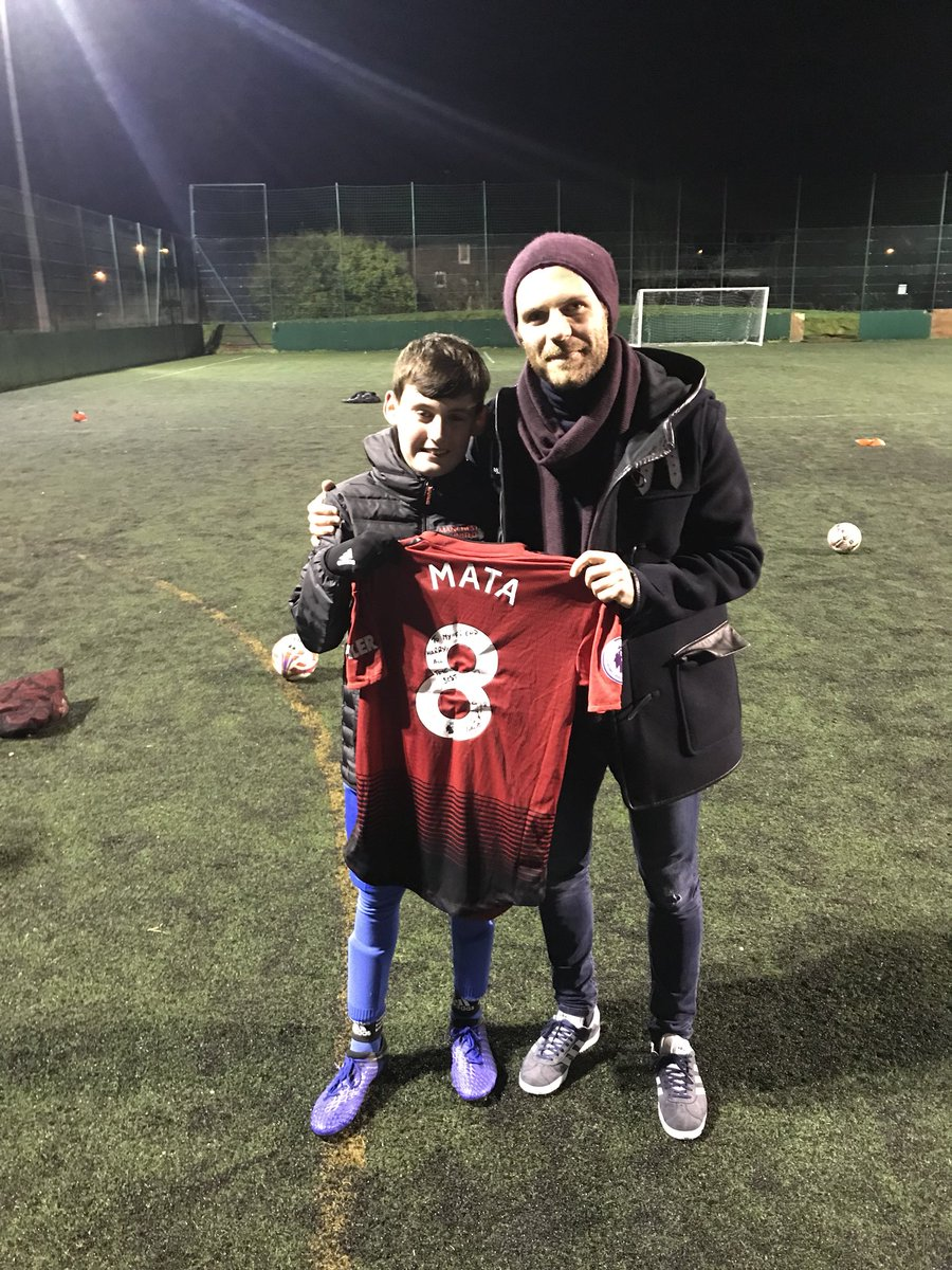 @juanmata8 is a true legend & gent I manage @WTFC1946 U12s & one of our kids dad sadly passed away before Christmas he made a promise that he would come to one of our training sessions and present him a shirt Tonight he did & spent 45 minutes joined in and was a star what a man