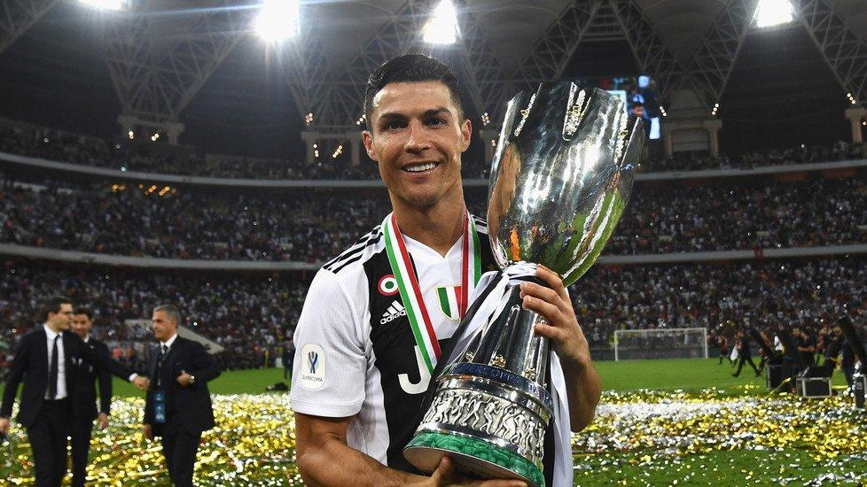 #Supercoppa #Juventus-#Milan 1-0: decide #Ronaldo, #Higuan non incide #Traversa di #Cutrone, #Cristiano spezza l'equilibrio con un #gol di testa. Solo 19 minuti per il #Pipita, nel finale #rosso per #Kessie 7️⃣🦓⚪️⚫️➡️ https://bit.ly/2QSZLFm   #JuveMilan #SupercoppaItaliana #CR7