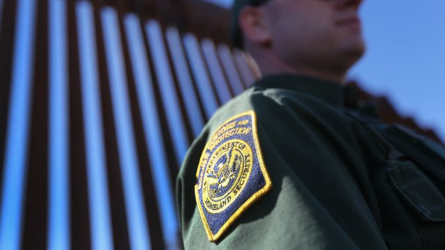 Federal workers head says border patrol agents voicing complaints about working without pay https://t.co/VJxwc6musL