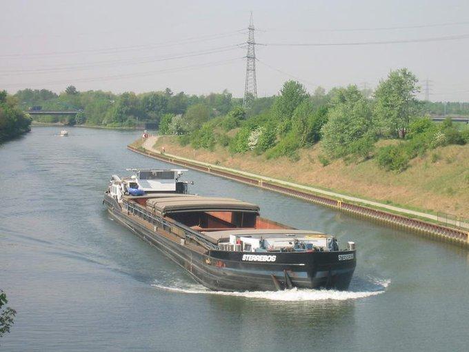 @tkschland @fritzelisches Wir kommen ausm Pott, wenn wir mitm Schiff anreisen, kommt nur sowas in Frage: Foto