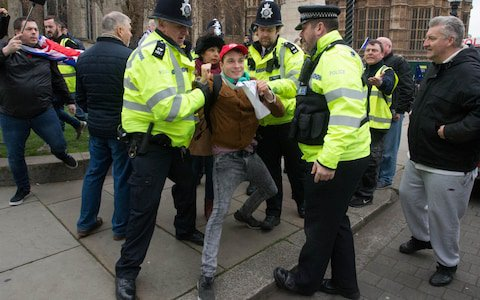 In the midst of political chaos, it may seem odd I focus on stuff like this, but I think it's part of a greater whole - I want to talk about a young man, Max who has been hanging around the Far Right 'Yellow Vests'. Specifically, I want to talk about online radicalisation. 1/ <br>http://pic.twitter.com/KT6AnlGBhk