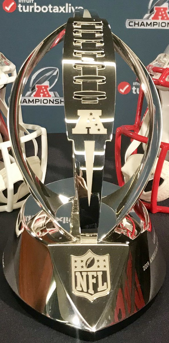 The Lamar Hunt trophy is in the house! #LetsRoll #ChiefKingdom https://t.co/SSVAiThM8G