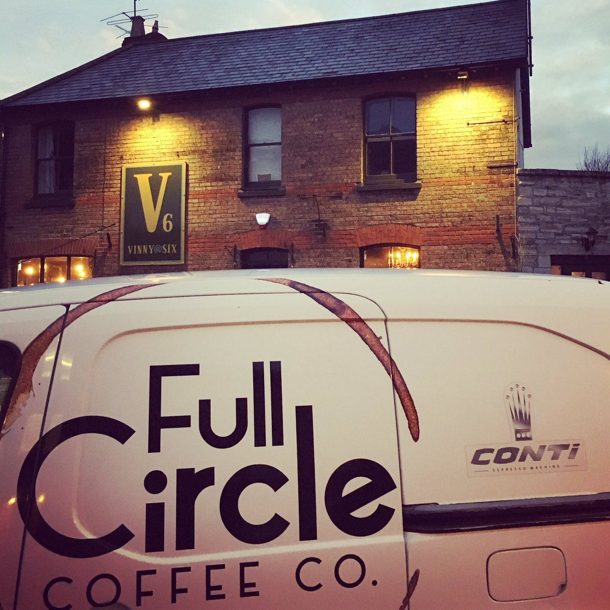Another fresh delivery to @Vinnyatsix in Dorchester! Now the new year is underway we will be looking to book in another coffee infused evening in the near future! Watch this space ☕️  #Coffee #Event #Delivery #Dorchester #Resturant #Cocktails #Espresso #Dorset #Food #Foodie