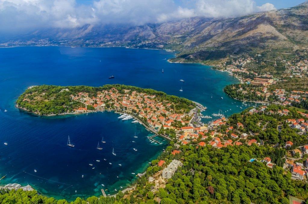 🌞 Estate in #Croazia a #Cavtat 🏝 7 giorni ✈️ Volo + 🚗 Auto + Hotel vicino alla 🏖 spiaggia a soli 💣 290€ INFO 👉 https://goo.gl/169z9b