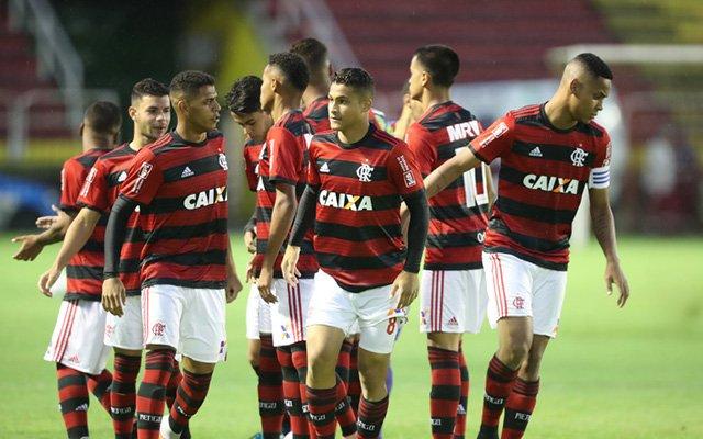 @Flamengo_en começa o ano com pé direito e jogadores projetam um ano de grandes conquistas https://t.co/1S3bh4ty00 https://t.co/HVX2EXCTYu