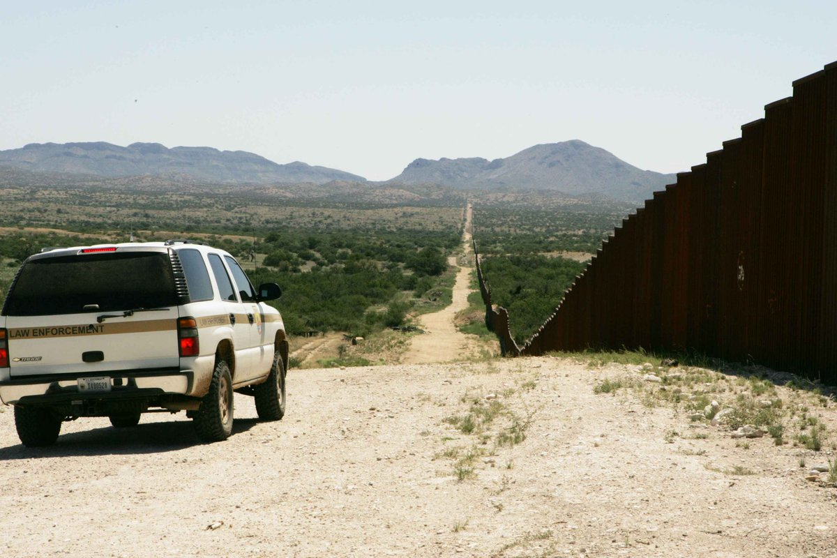 Yuma Border Patrol arrests child sex offender who crossed with central american families. >>https://t.co/jHo5ucdLKX