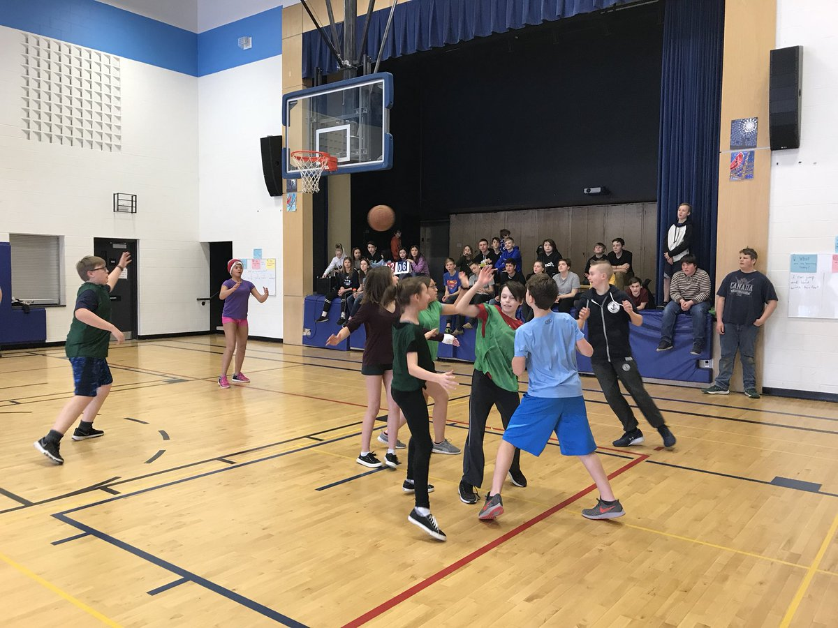 Lunchtime pick up basketball for our intermediates keeps everyone active, engaged & having fun! Even the teachers! Thanks Mr. D, @BridgenTracy & @mrgallupe for your commitment #wellness #WeAreOne