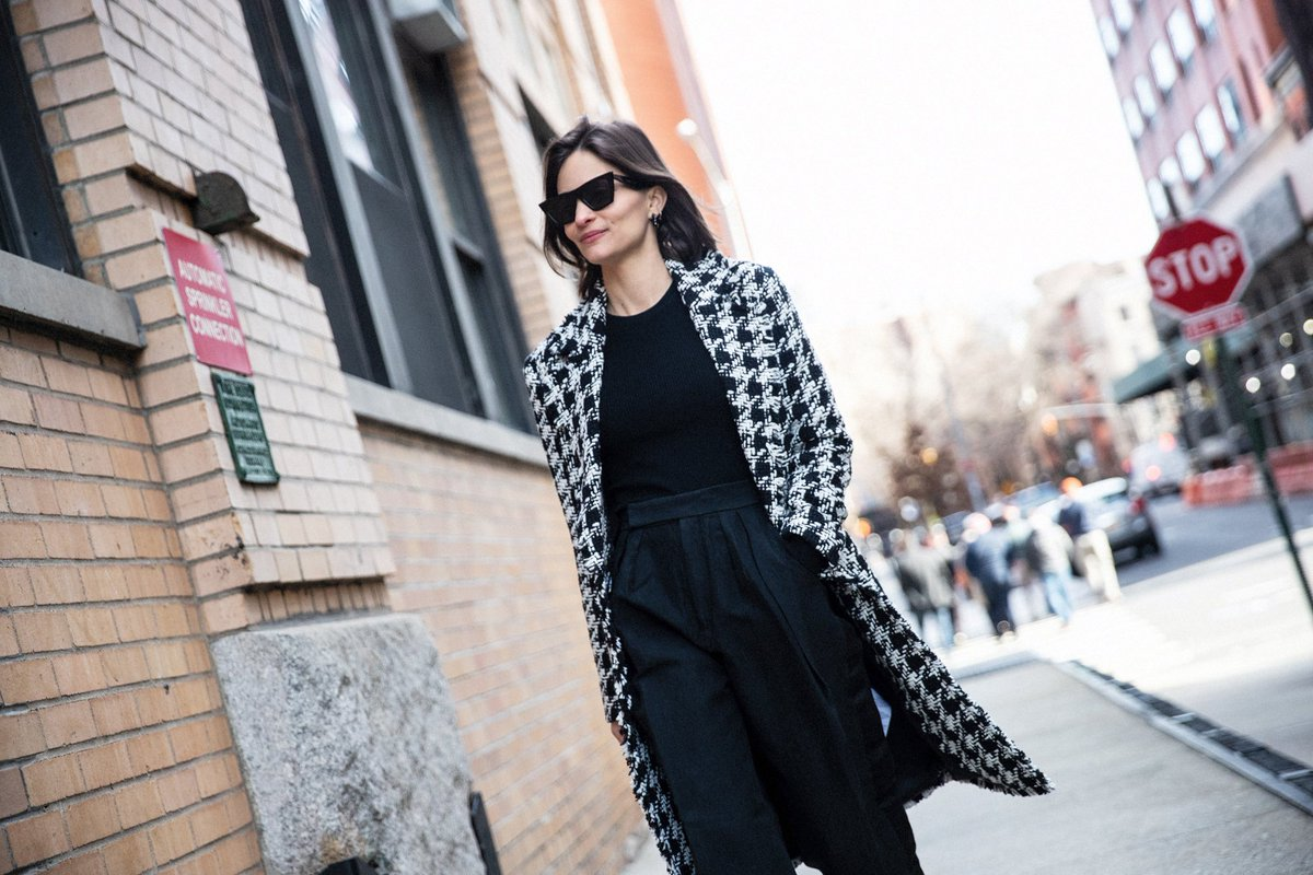 That's a wrap on our January #JoieSundayGirl feature! Check out the full feature to learn more about Maria's career and motherhood balancing act, discover her favorite parts of New York, and shop her favorite #Joie styles - https://t.co/rlzlCbbSsA @MDuenasJacobs