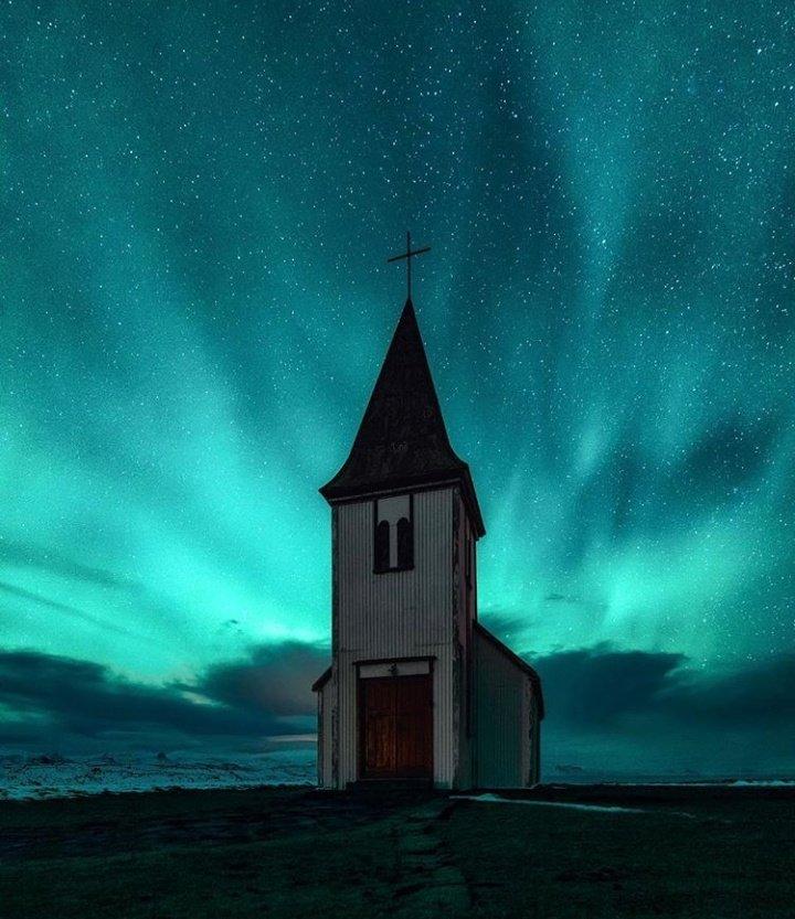 RT @WorldWidePics_: Holy Light, Iceland 🇮🇸 https://t.co/W8bByhZ2xB