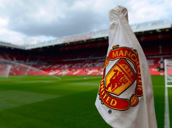 Manchester United, Koulibaly ve Douglas Costa transferi için 150 milyon euroluk bütçe ayarladı. 🔸 Koulibaly / 90-110 milyon euro arası 🔸 Costa / 25-40 milyon euro arası Photo