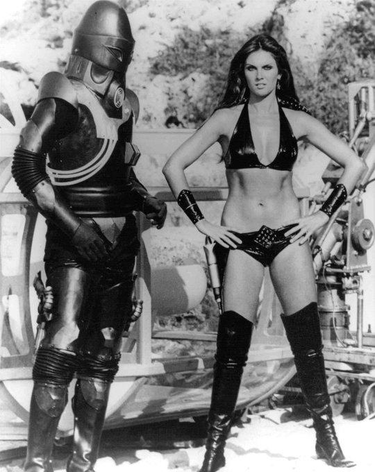 Happy Birthday to Bond Girl and B-Movie queen Caroline Munro. Big fan of STARCRASH(1978).