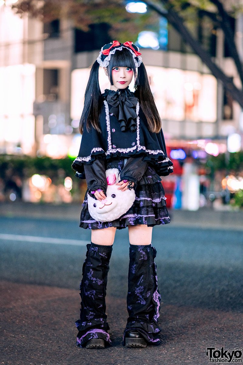 We often see Japanese gothic lolita Yukachin on the street in Harajuku. Her look here features a handmade headpiece, Putumayo cape, Algonquins top, Gothic Lolita Punk skirt, ruffle legwarmers, Yosuke platforms & a plush animal bag  #原宿https://t.co/pIJVYYSjio