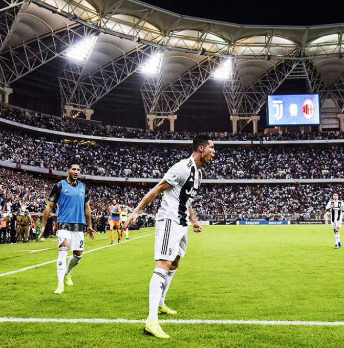 ➔ En su primera final con Juventus, marcó el gol decisivo. ➔ En su primera temporada en Italia, es el goleador de la Juventus. ➔ En su primera temporada en Italia, es el máximo asistidor de la Juventus. ➔ En su primera Serie A, es el máximo goleador del torneo. SALVAJADA. Foto