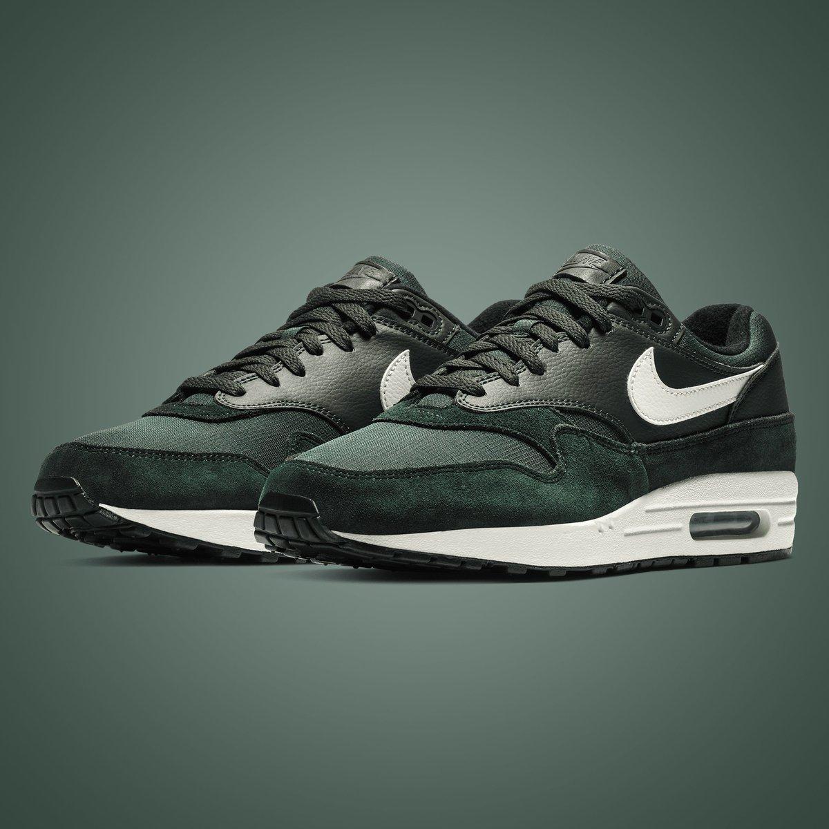 new styles d4ee3 b30bd GB S Sneaker Shop on Twitter