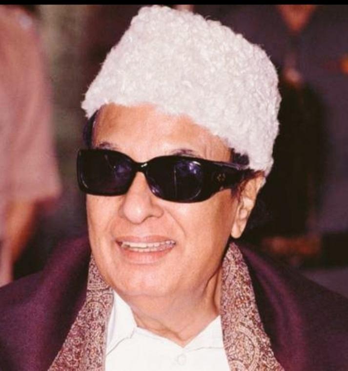 . Today is #PurathiThalaivar #MakkalThilagam #LegendaryIcon  #DrMGRamachandran 102nd Birth Anniversary  ஜனவரி 17, எம்ஜிஆர் 102வது பிறந்த நாள்.